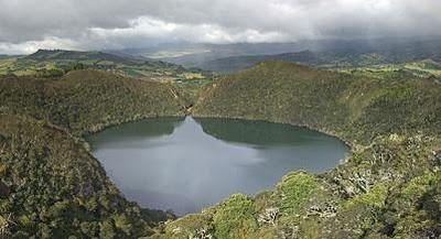 guatavita_panorama.jpg